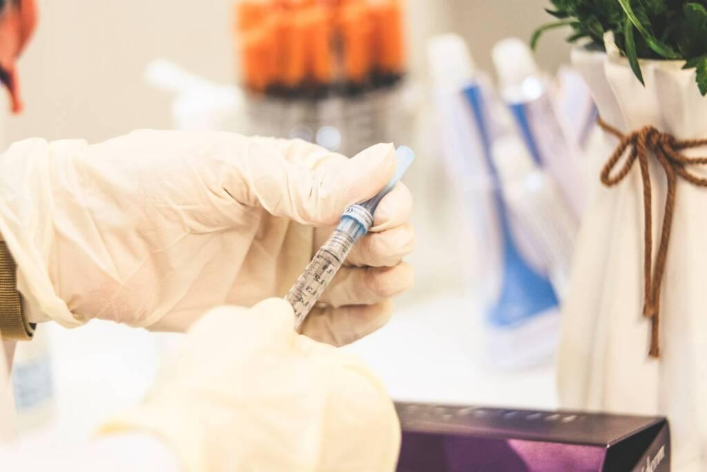 hialuron-injekcii